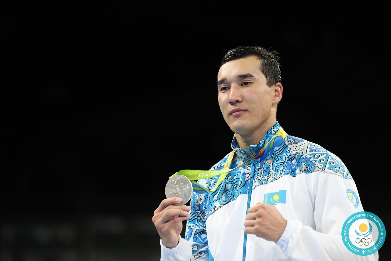 сам играл олимпийские чемпионы казахстана в рио фото видов обуви